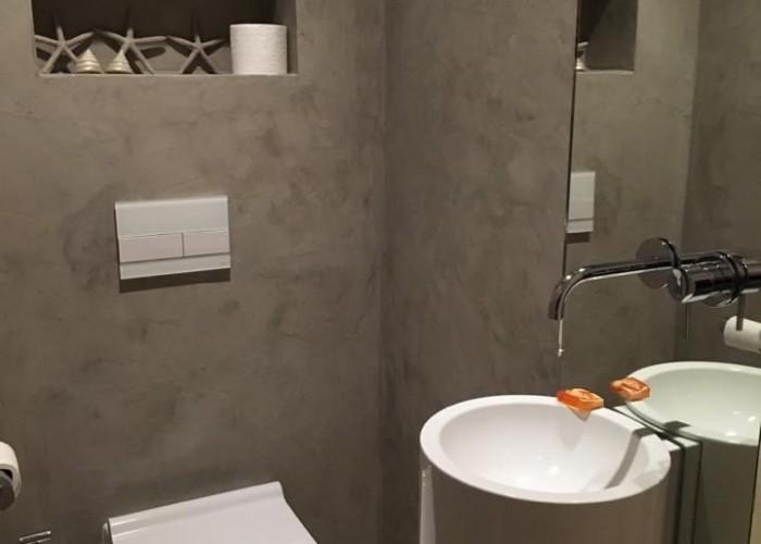 Toilet renovatie betonlook microcement microbeton